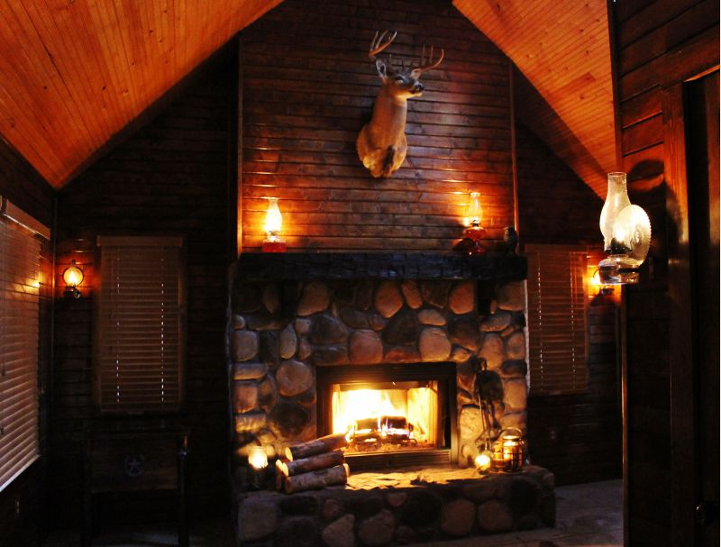 Cabin fireplaces small cabin forum 1 for Cabin fireplace pictures