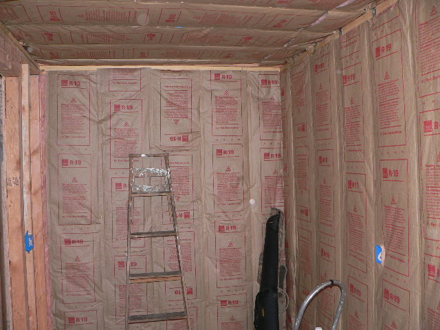 R19 insulation the first picture shows the r19 we hung for What insulation to use in 2x6 walls