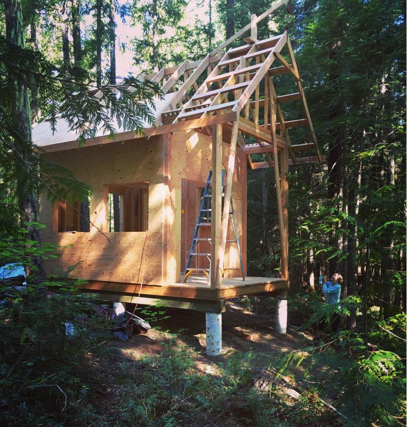 10x16 Cabin In Washington Cascades