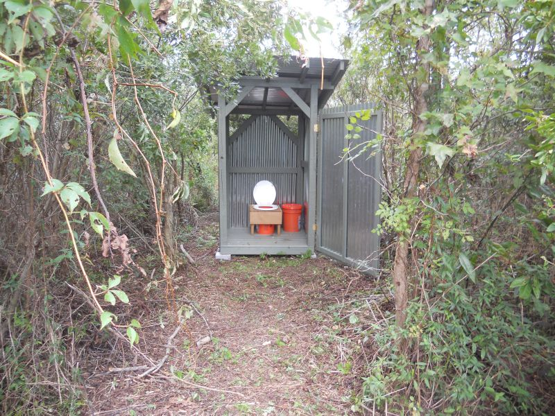 how to build an outhouse with a flushing toilet